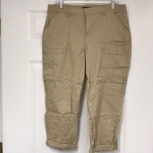 LEE Women's Relaxed Fit Utility Capri Pants